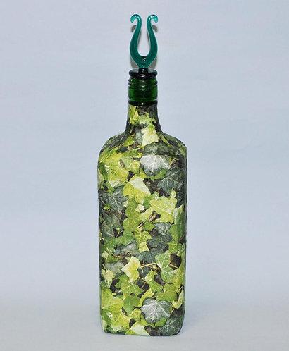 Garrafa verde com heras, garrafa, heras em decoração