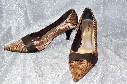 calçado feminino, sapato feminino, modelo Dalila marca Cast you, sapato fechado 36, brechotreschic, brechó très chic, vendas