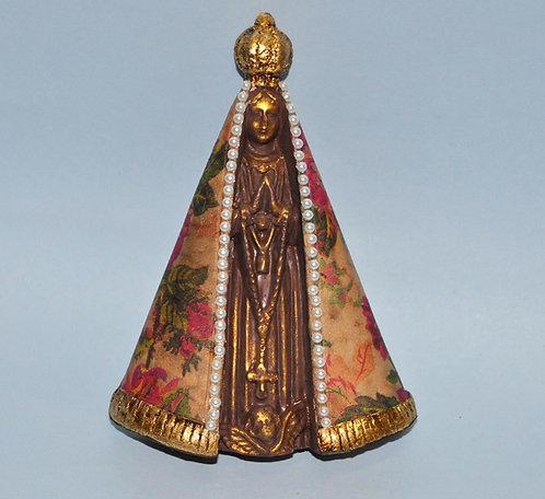 Nossa Senhora Aparecida em gesso decorada a mão