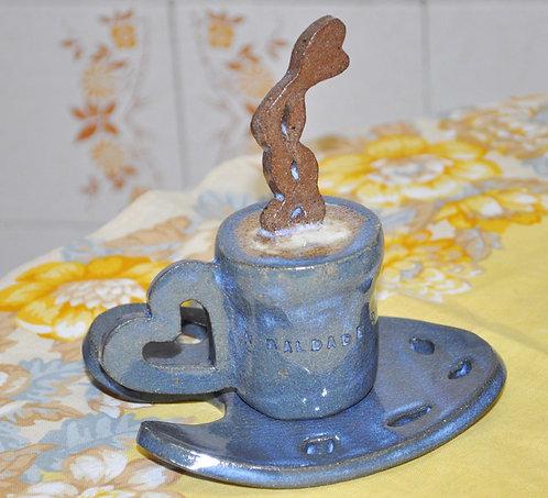 decoração para vitrine de cafeteria, cafeterias, xícara em cerâmica, café para decoração, Sueli Finoto ceramista, xícaras