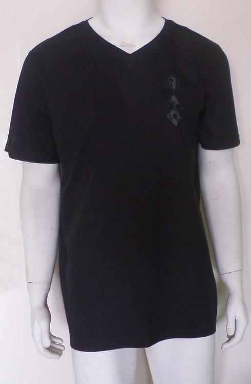 camiseta preta G masculina. brechotreschic, brechó très chic, roupas masculinas, camisetas em oferta, roupas para homens, G,