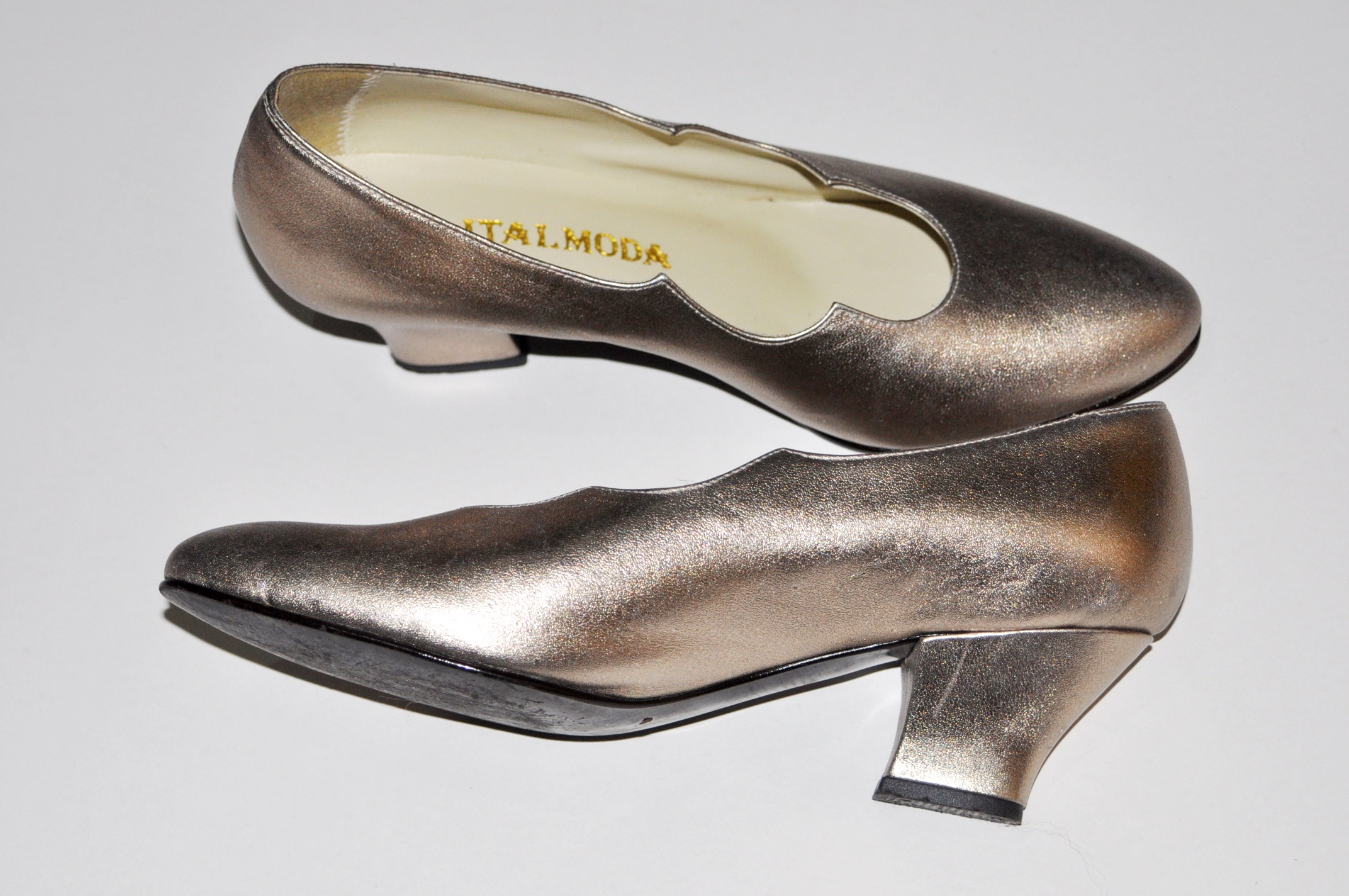 Sapato metalizado 36