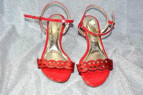 Sandália vermelha nº 36 marca Beira Rio Conforto salto baixo de 6 cm., sandália nova, Brechotreschic, Brechó Très Chic, loja