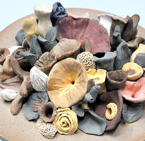 prato em cerâmica com flores feitas a mão por Sueli Finoto, esculturas, loja online de Sueli Finoto, artes, cerâmica, art