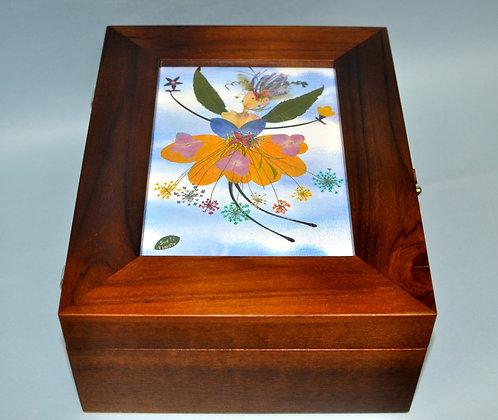 """caixa de madeira para joias ou bijus decorada com trabalho em oshibana """"fadinha"""""""
