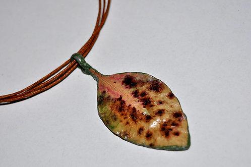 folha natural em pingente, pingente de folha feito a mão, bijuterias com folhas, Sueli Finoto