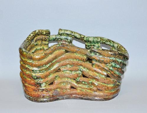 Cachepô Zina peça feita em cerâmica com queima raku por Sueli Finoto