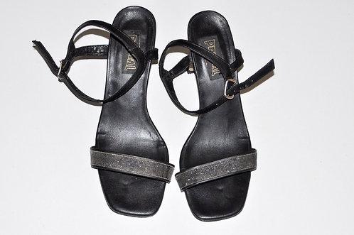 sandália preta nº 36 com tira fina, calçados no brechotreschic