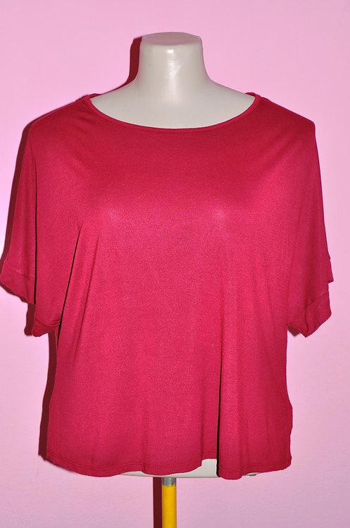 camiseta GG vermelha, camiseta vanguard GG vermelha, brechotreschic, brechó très chic, loja online, brechós, roupas em oferta