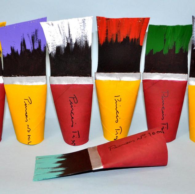 Pincéis coloridos