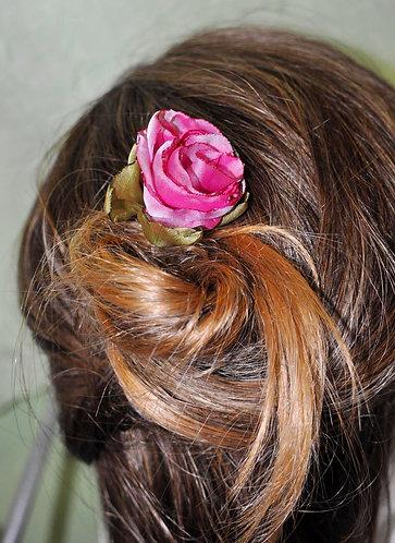 flor feita a mão para enfeitar cabelos