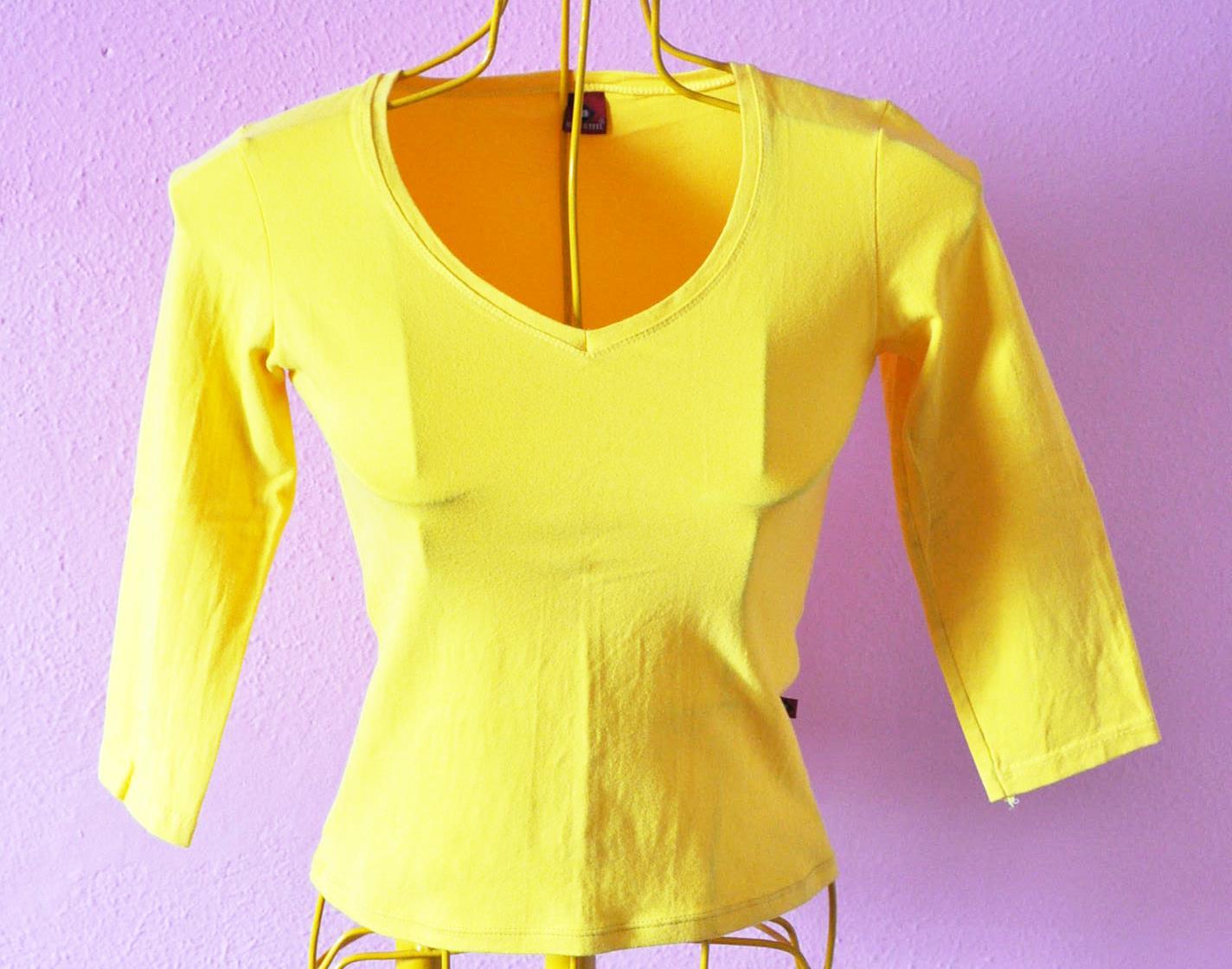 Blusa agarradinha amarela
