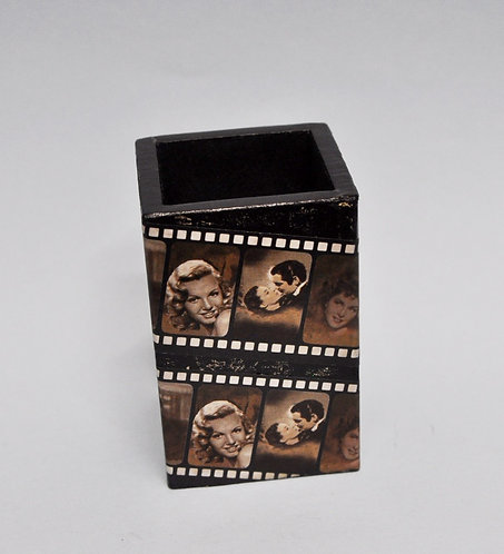 porta lápis de madeira encapado com cena de cinema
