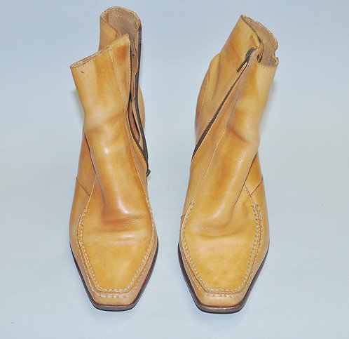 bota cano curto nº 36 em couro, bota, botas, calçados femininos