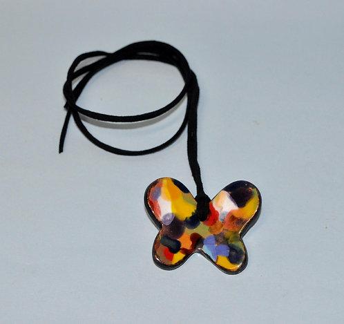 Bijuteria em cerâmica, pingente em cerâmica, borboleta, colar, cordão com pingente, artesanatos, Sueli Finoto