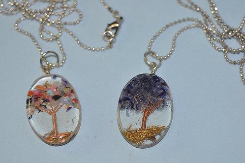 colar com pingente de árvore, arvores, árvore, pingente sanduiche com resina, colar, colares, bijuterias