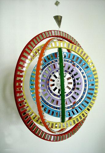 Móbile colorido espelhado