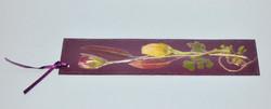 Marca página com flores