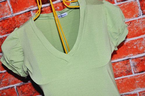 camiseta verde feminina tamanho P, brechotreshcic. brechó très chic, brechó online, presentes, roupas novas e em oferta,