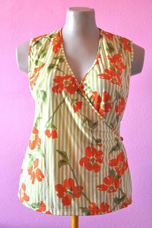 Blusa transpassada floral tamanho g, blusa, blusas, blusinhas, roupas, brechó, blusa floral, blusa g, ofertas, tres chic,