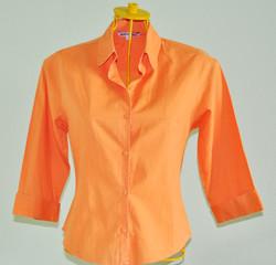 Camisa laranja meia manga