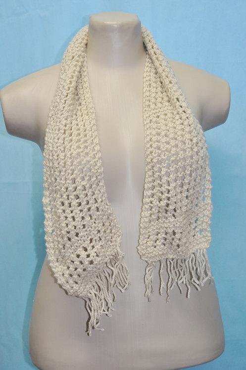 cachecol de lã bege, cachecol de tricô feito em lã bege, cachecol bege, brechotreschic, brechó très chic, acessório de lã