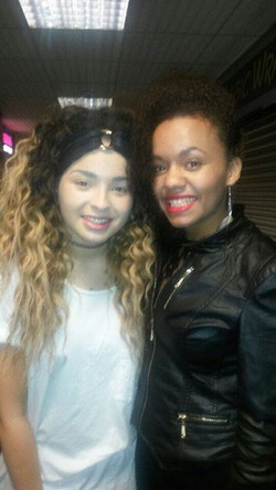 Last Night I met Ella Eyre after her Amazing concert! She was so lovely and kindly let me sing for h