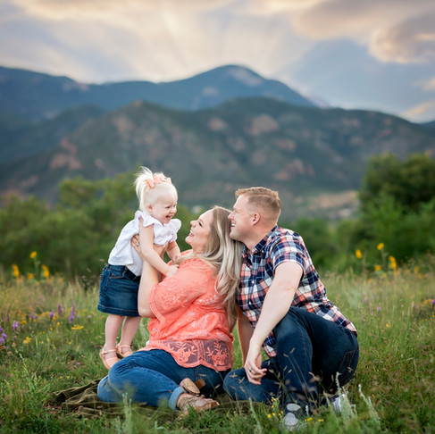 What to Wear and How to Prepare - Family Portrait Sessions || Las Vegas Family Photographer