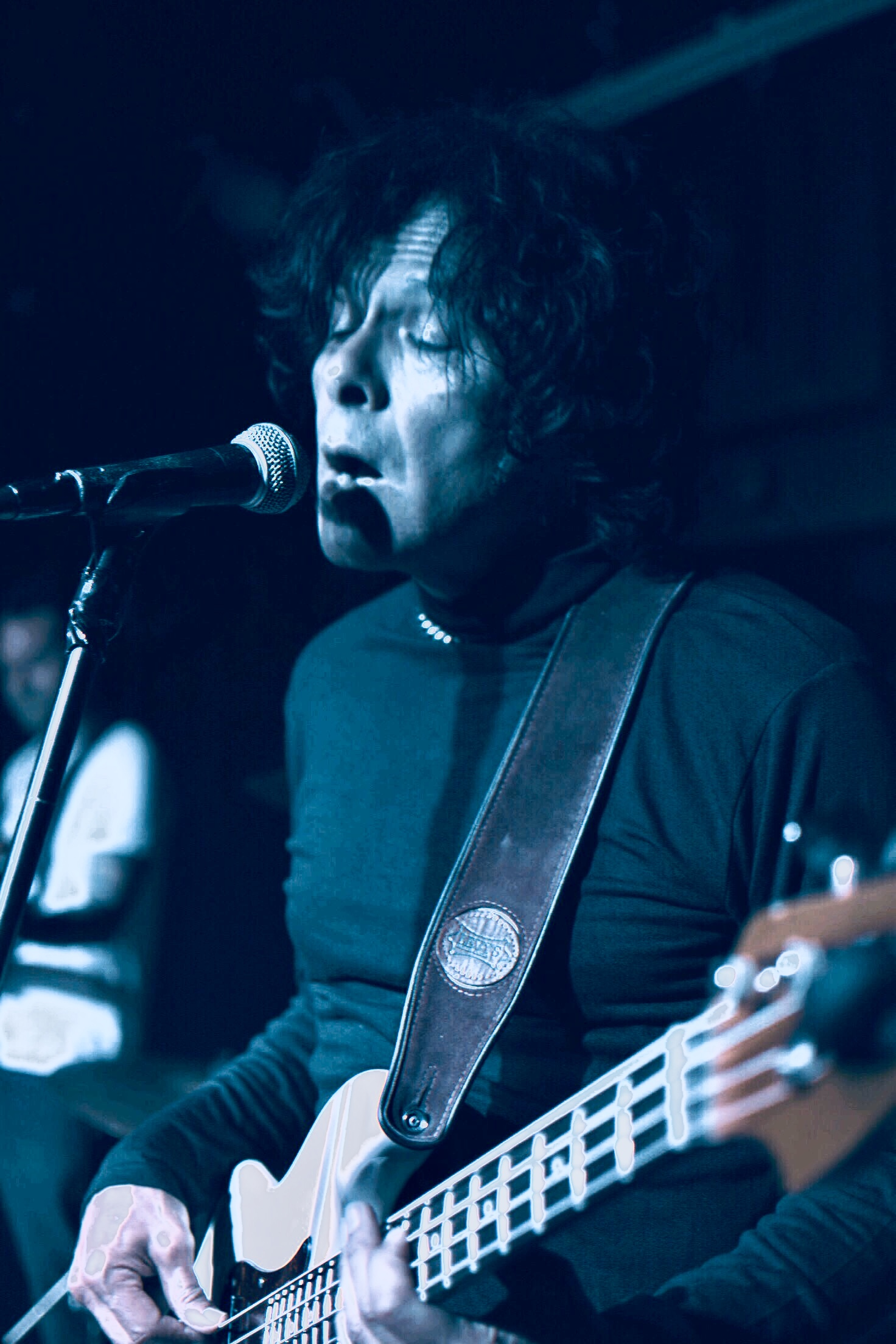 Tom Singing