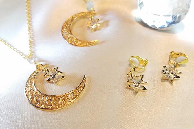 ルナフランの作品テーマは「宇宙」「月」「星」。