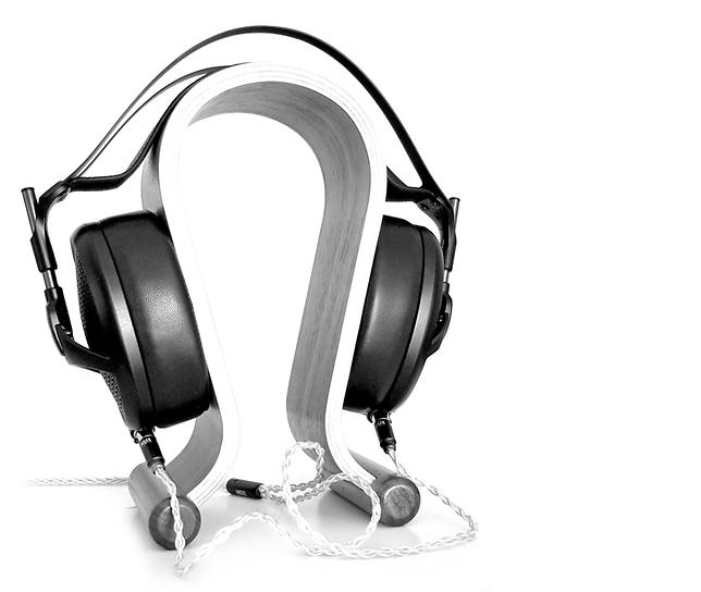 headphones+3_B&W.png