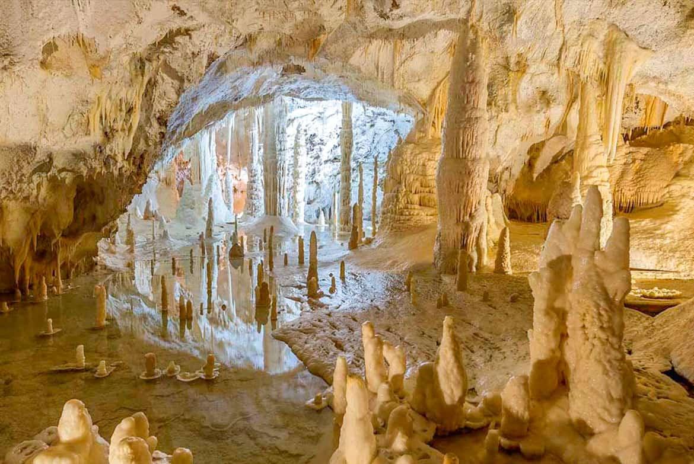 Una gita di qualche ora: le Grotte di Frasassi