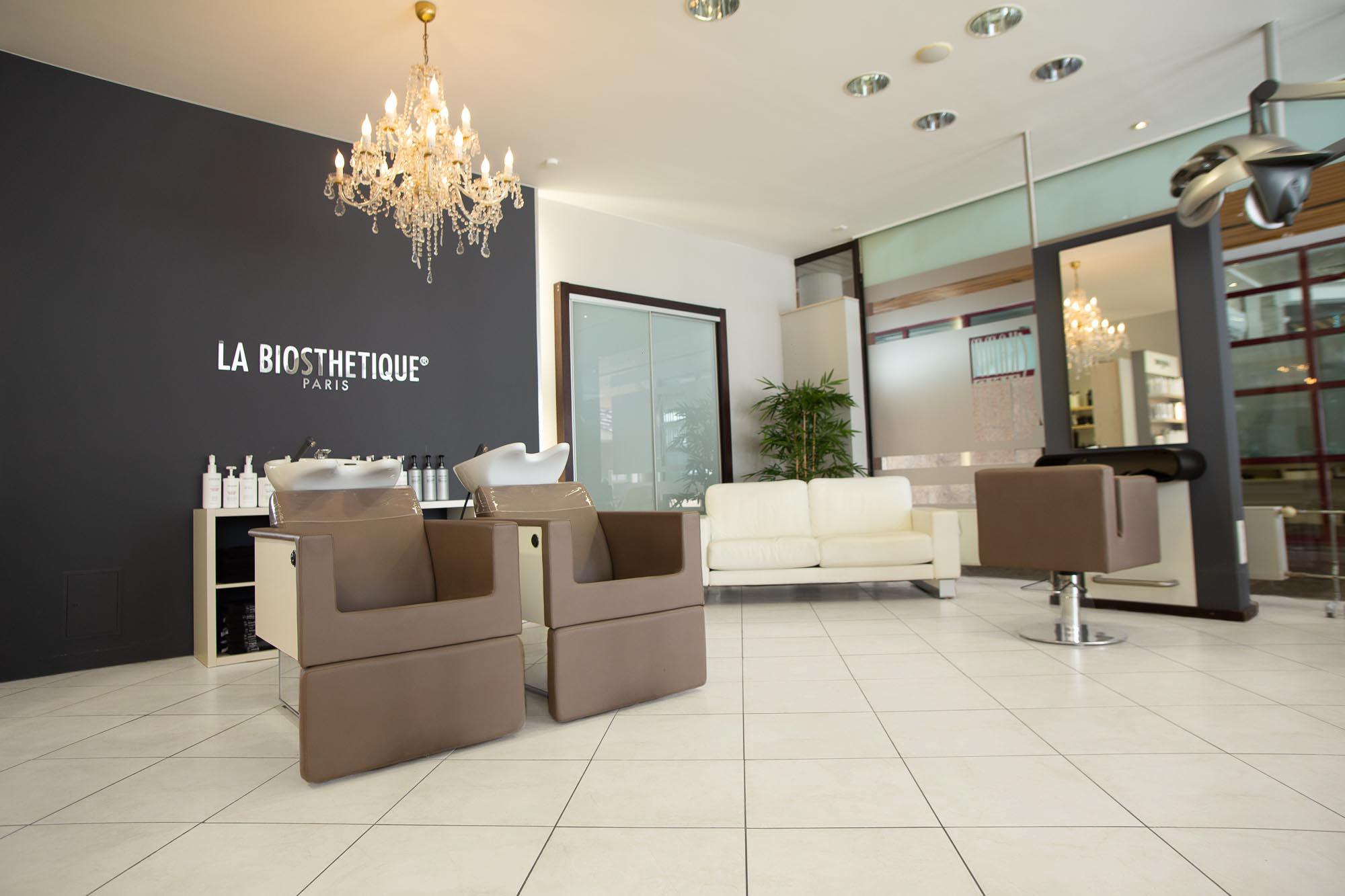5D3_9130_white-floor