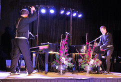 Duelling Pianos 1.jpg
