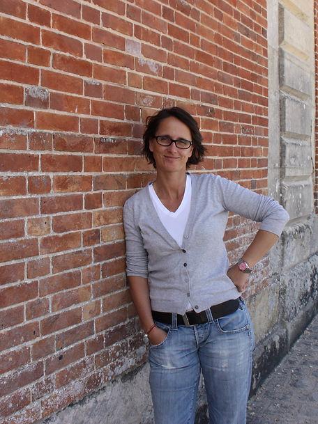Wibke Thies von die Kunt des allein seins präsentiert die Möglichkeiten der Kontaktaufnahme und Terminvereinbarung