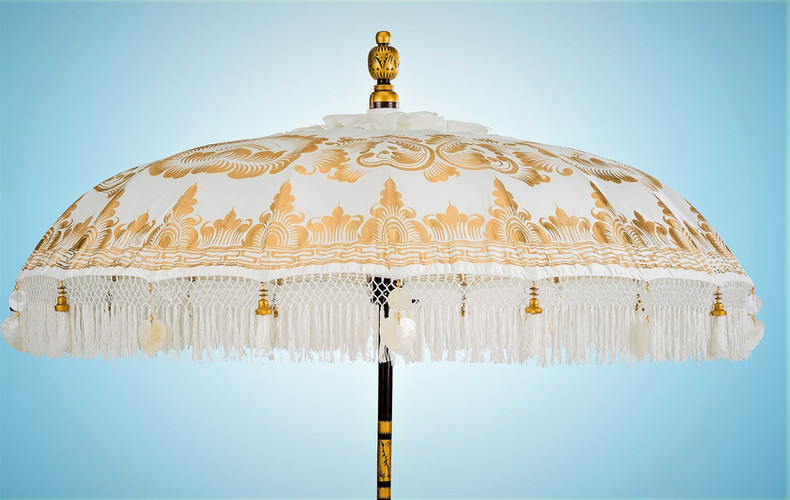 The ultimate wedding parasol the Gold Serenenity original