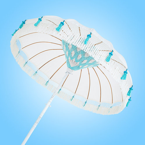 Beach Chic Fringed parasol in white and turquoise