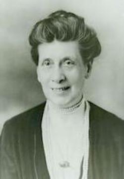 Pape, Nina Anderson