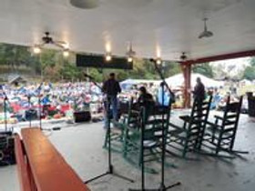 view-from-the-back-of-the-main-stage-77.