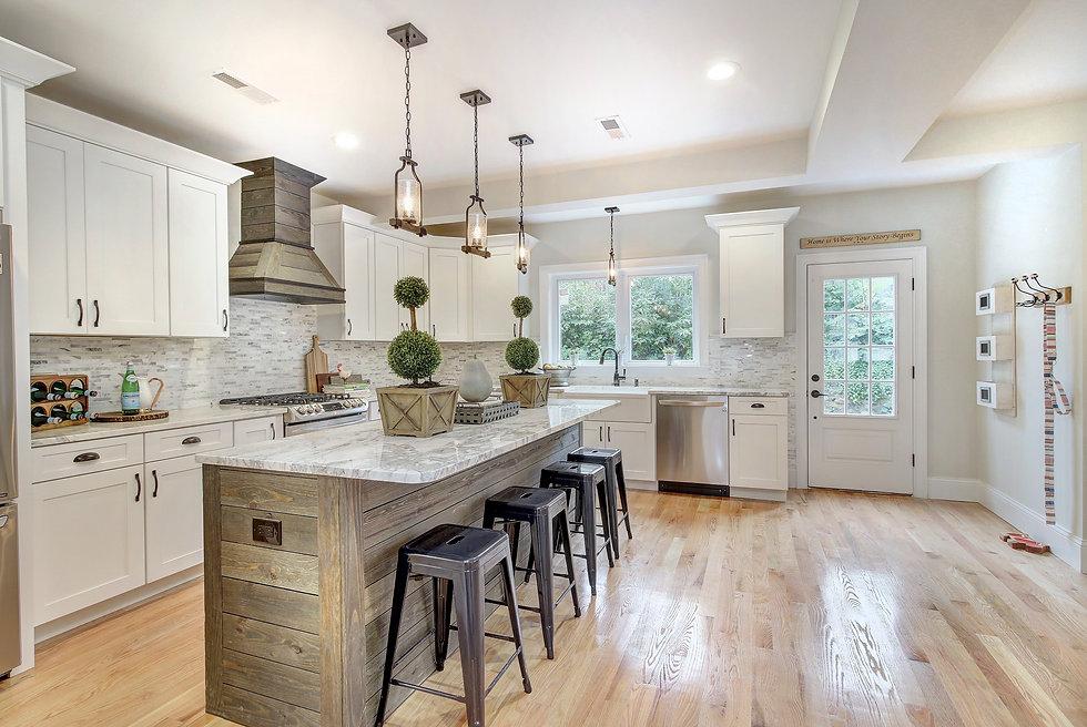 Luxury Farmhouse Style Kitchen