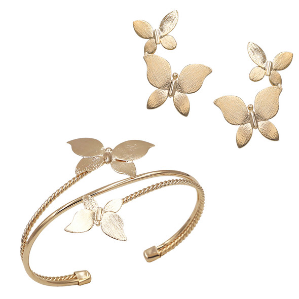 7576 earring $10,88 / 4492 bracelet $30,75