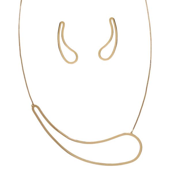 7729 earrings $10,00 / 3967 necklace $20,31