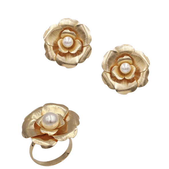 1568 ring $20,25 / 7667 earrings $20,25