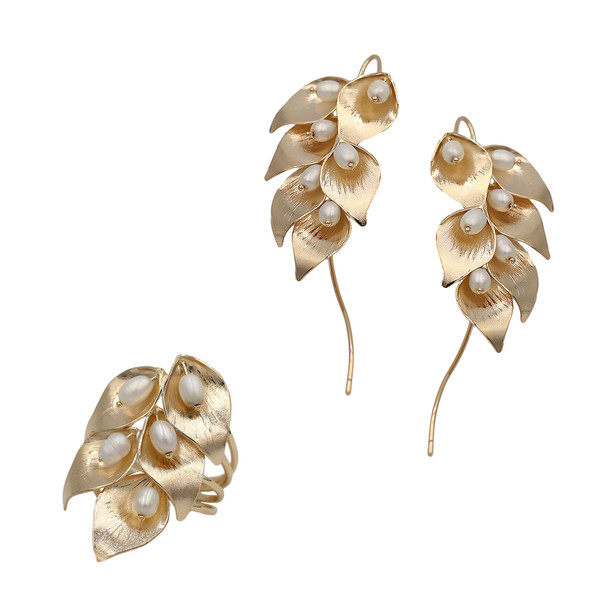 1553 ring $21,00 / 7605 earrings $28,12