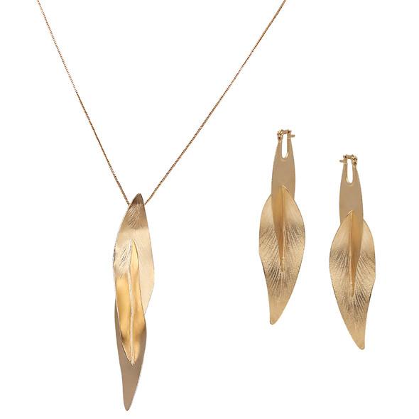 7637 earrings $24,75 / 3920 necklace $26,63