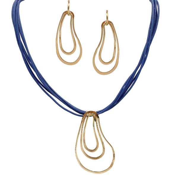 3949 necklace $21,56 / 7693 earrings $16,88