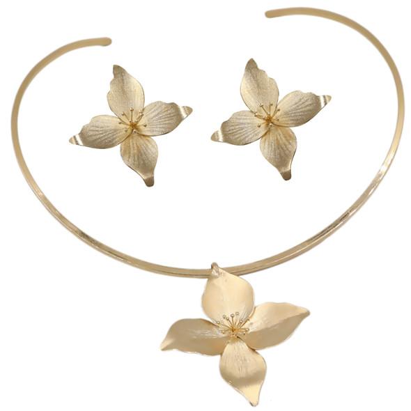 7635 earrings $14,63 / 3907 necklace $28,50