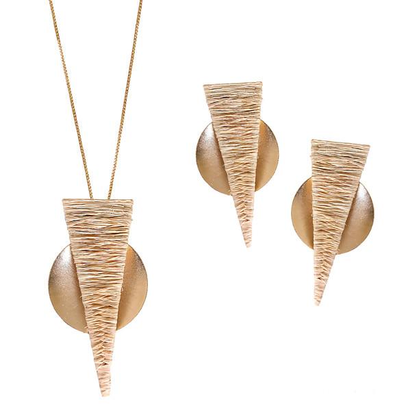 7665 earrings $25,50 / 3935 necklace $26,63