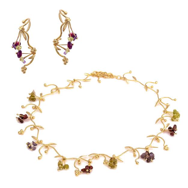 3286 necklace-$37,13 / 2426 earrings-$13,50