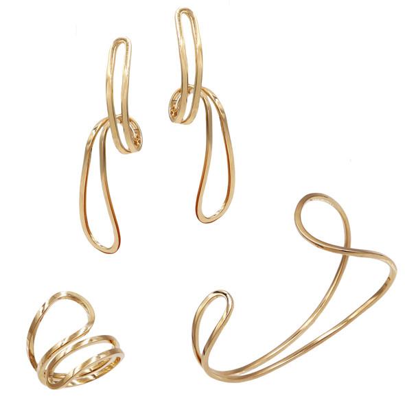 1585 ring $15,00 / 7730 earrings $14,06/ 4504 bracelet $22,19